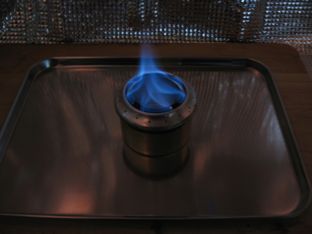 副室加圧型アルコールストーブ/ダブル副室:副室1点火